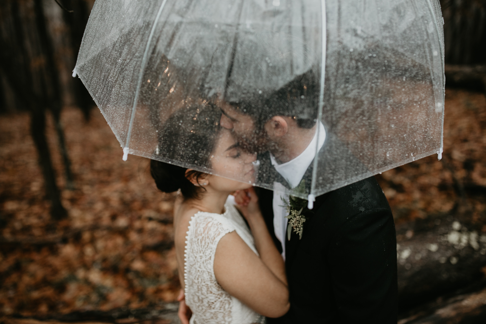 Pittsburgh Wedding photography, Pittsburgh wedding photographer, pittsburgh Wedding, Pittsburgh fall wedding, Pittsburgh rainy wedding, DIY floral wedding in Pittsburgh, Pittsburgh Wedding at North Park Lodge, Cold and rainy wedding, Pittsburgh rain photos, Rachel Rowland Photography, Fun pittsburgh wedding photos, luxury wedding photographer